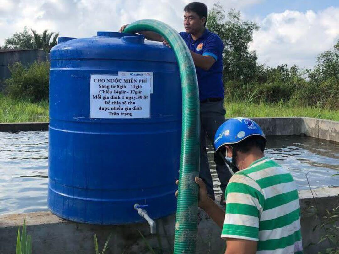 Bồn chứa nước cho người đến sau