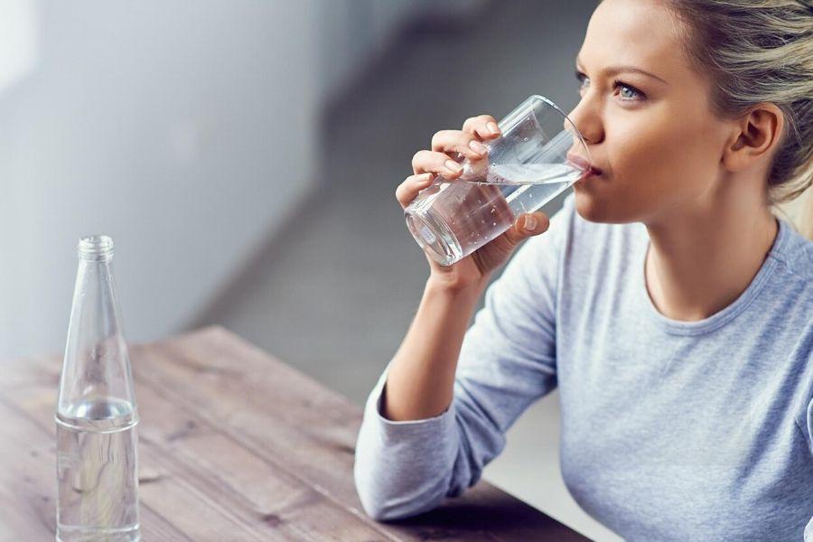 Nên uống nước lọc thay vì nước ngọt