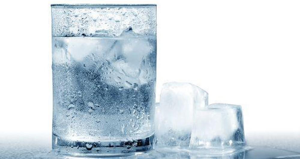 Uống nước lạnh có tốt không