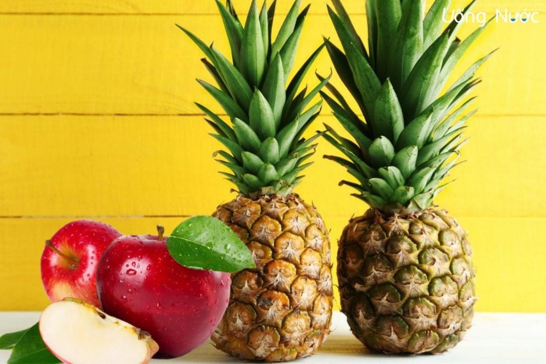 Táo và thơm là hai trong nhiều loại trái cây chứa nhiều vitamin C nhất