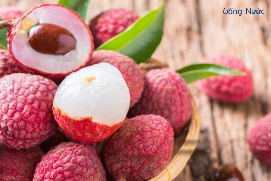 Vải thiều là loại quả chứa nhiều vitamin, khoáng chất cho cơ thể